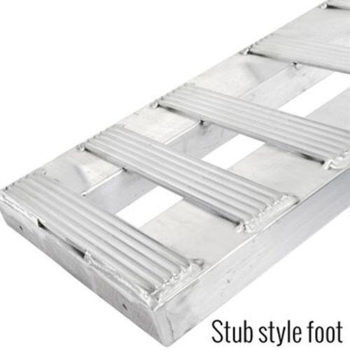 Stub feet